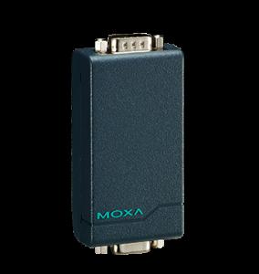 Bild på en 6 cm liten svart liten box som konverterarseriesignaler RS-232 till RS422/485 och omvänt
