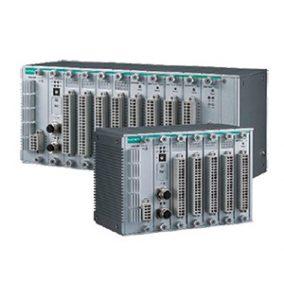 Bild på 2 olika modeller ur familken av programebara kontrollenheterna IoPAC 8000