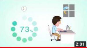 Gubbe framför dator som visar hur enkelt du kan koppla upp dig i ett moln